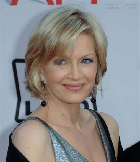 hair styles foe 60yearolddlim womem diane sawyer wearing her hair in a short bob hairstyle