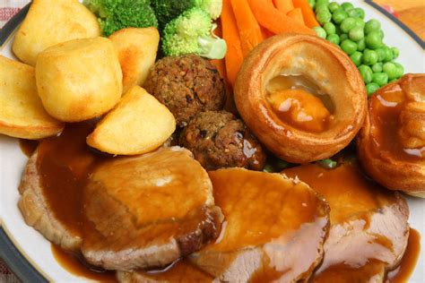 roast dinners traditional sunday roast yorkshire puddings england uk st george s day 23rd april 2014 smart restaurants