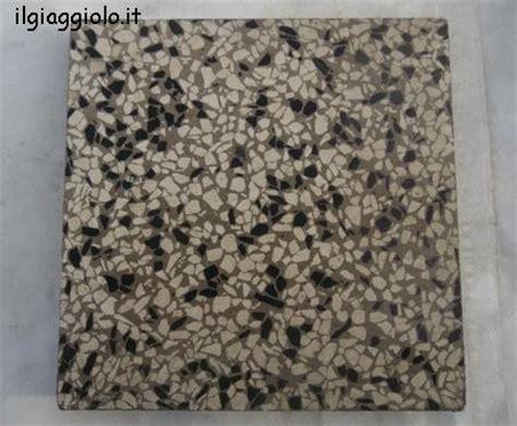 Piastrelle In Graniglia - mattonella di recupero di graniglia bianco nera