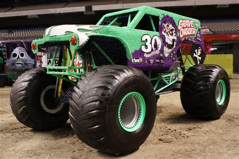 grave digger 30th anniversary monster truck grave digger monster truck 30th anniversary www imgkid