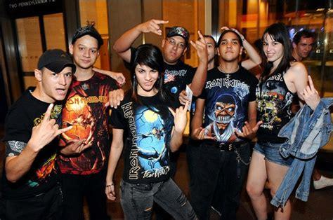 T Shirt Anak Slipknot pakaian terpakai bundle hobi atau kerjaya iluminasi