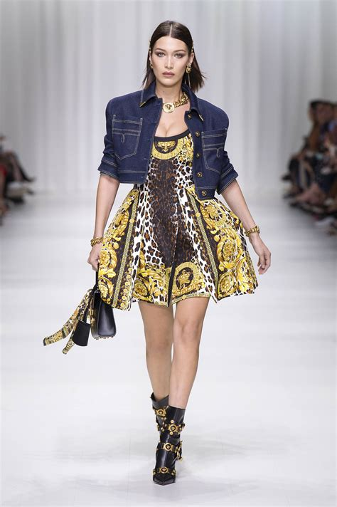Who Wore Versace Best The Catwalk Model Or Schiffer by Versace Summer 2018 S Collection The