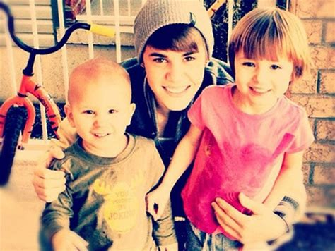 justin bieber biography siblings justin bieber family tree father mother name pictures