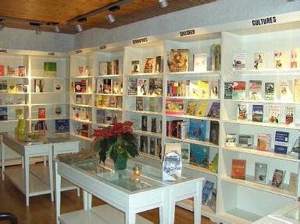 libreria pensa bollate non ha una libreria ci pensa il comune il