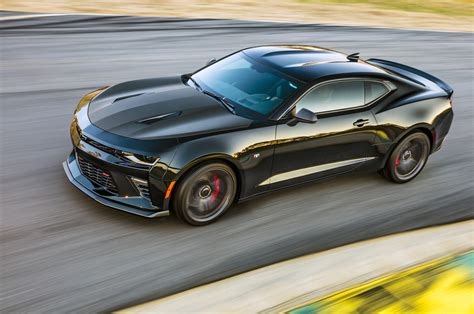 camaro 1le chevrolet camaro 1le performance package returns for 2017