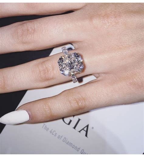 can i use my engagement ring as my wedding ring