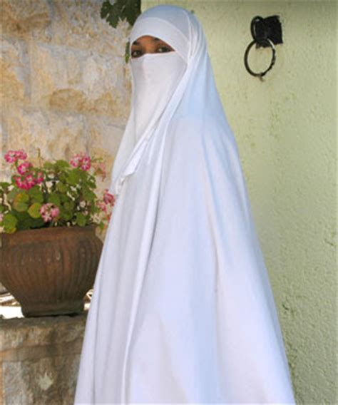 Khimar Square 9 islam fashion and identity