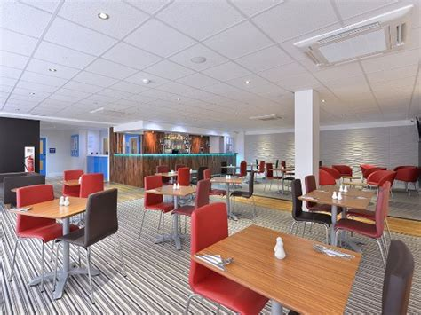 the room romford travelodge romford the quadrant updated 2018 hotel reviews price comparison essex