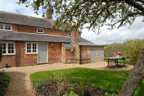 dorset cottage rental jigsaw holidays introduces apple cottage for dorset