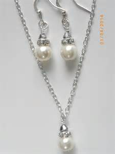 Handmade Bridal Jewelry - handmade bridesmaid set necklace and earrings ivory pearl