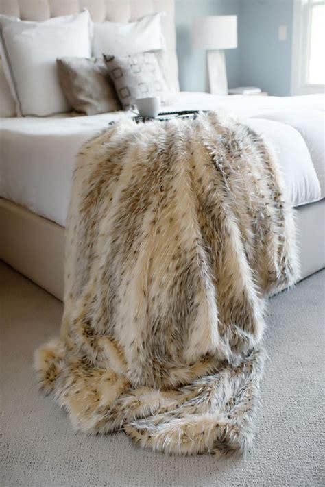 Plaid Fausse Fourrure Pas Cher 491 by Le Plaid Fausse Fourrure Confort Pour Vous Et Style