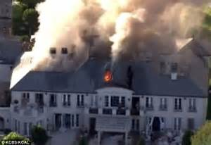 lisa vanderpump house real housewives of beverly hills mansion goes up in flames daily mail online