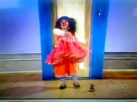 big comfy couch dance academy big comfy couch dance academy the statue game youtube