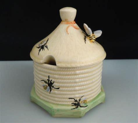 Pot Jar Pot Wadah Kosmetik Crown 1 vintage crown pottery beehive honey pot jar