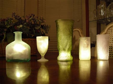 How To Make Funky Frosted Glass Centerpieces Offbeat Bride Frosted Vases Centerpieces