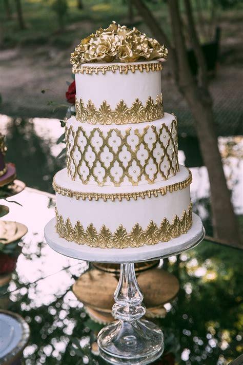 white gold wedding cake  layered cake gold