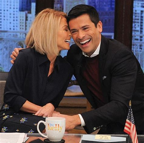 what device does kelly ripa use on her hair kelly ripa s husband mark consuelos refuses to move away