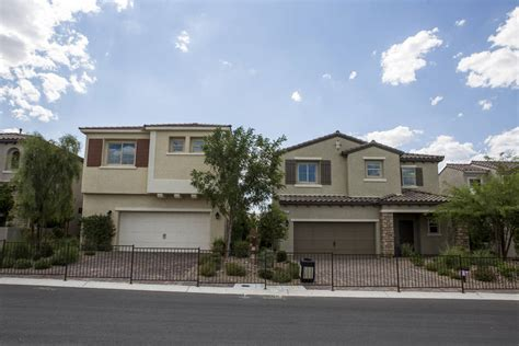 Century Community Homes Las Vegas Homebuilders Outpace 2016 In Sales Totals Las