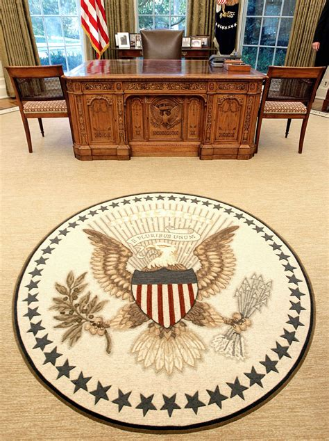 oval office rug obama takes philosophical approach to oval office