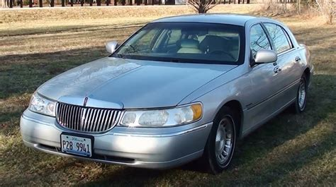 2002 lincoln town car owners manual lincoln owners manual