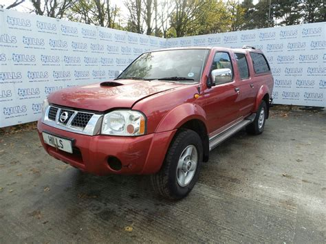 nissan navara 2004 2004 nissan navara d22 pick up front bumper and fog lights