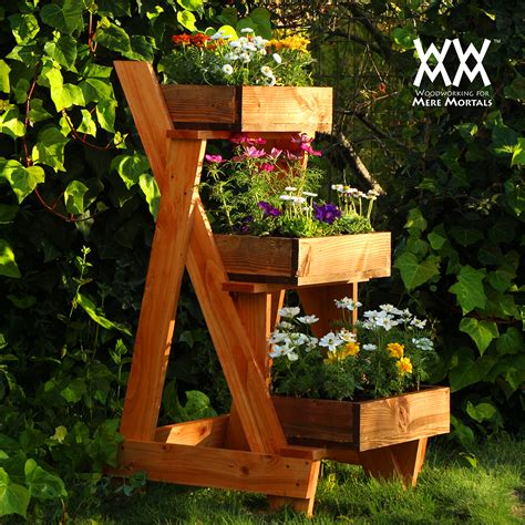 How To Make A Wood Pallet Planter 42 Diy Ideas Garden Planters