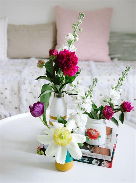 floral print vases a subtle revelry