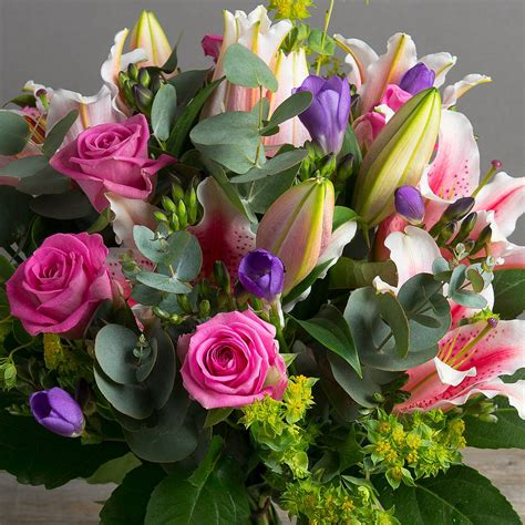 Send Fresh Flowers by Send Beautiful Flowers In Sydney To Express Your Feelings