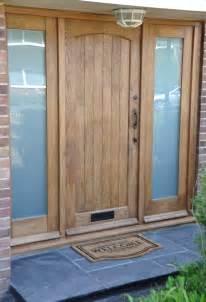 Exterior Front Doors Uk Solid Oak Cottage External Oak Door Traditional Front Door Oak Exterior Door Http Www