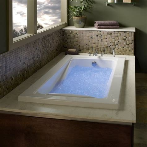 Large Whirlpool Bath Bathtub Buying Guide Tools Home Improvement