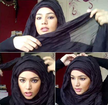 tutorial hijab pashmina rawis kusut tutorial hijab menutup dada dengan pashmina crinkle rawis