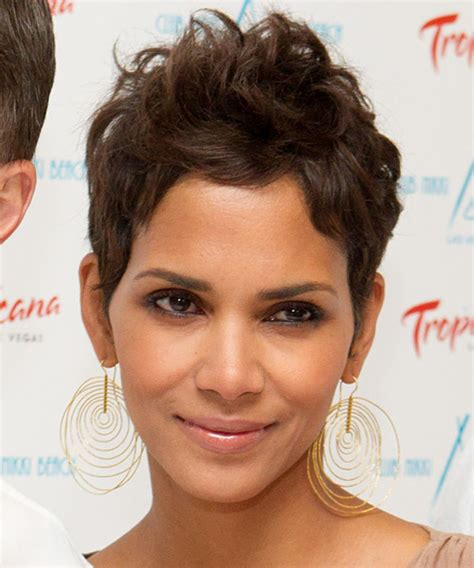 what face shapes do halle berry has halle berry hairstyles in 2018