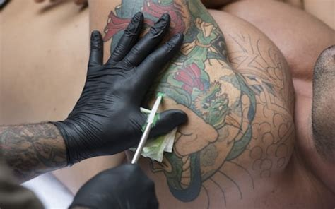 tattoo pain after years tattoos can cause infections 15 years later warn doctors