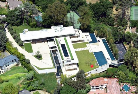 jay z and beyonce house jay z and beyonce just put 120 million down on a bulletproof bel air mansion worldtruth tv