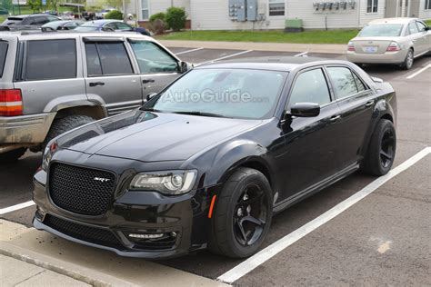 chrysler 300 hellcat wheels chrysler 300 srt hellcat spy shots srtlife