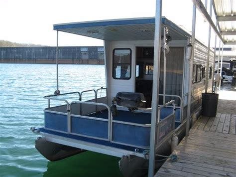 fishing boats for sale tennessee pontoon boats for sale in tennessee boats