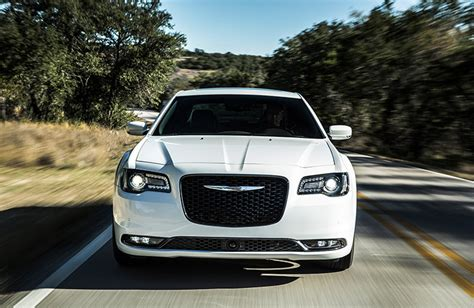chrysler 300 performance 2017 chrysler 300s features and performance