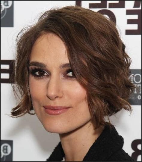 find jaw length hairstyles curly bob bobs and short curly bob on pinterest