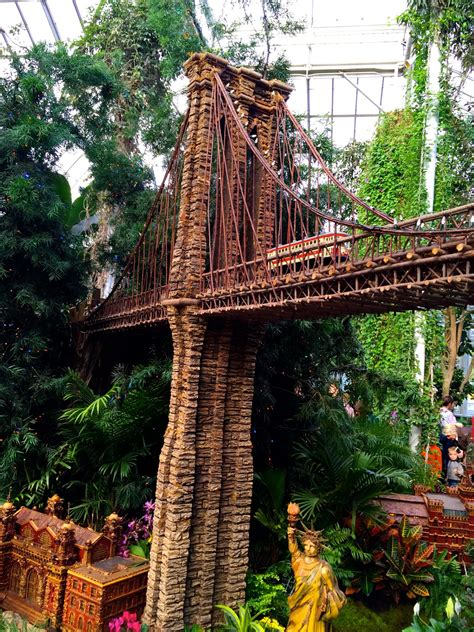Guide To The Holiday Train Show At The New York Botanical Ny Botanical Garden Gift Shop