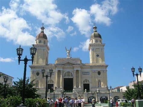 santiago de cuba cuba santiago de cuba main plaza catedral picture of cuba
