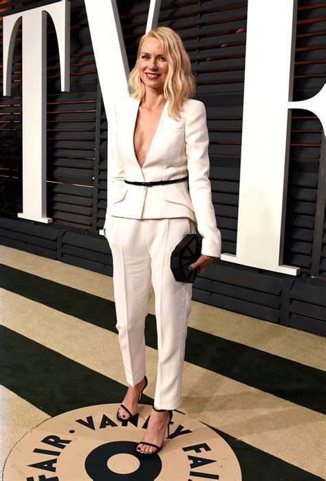 Table Bathroom Vanity Naomi Watts At The 2015 Oscars And Vanity Fair Afterparty