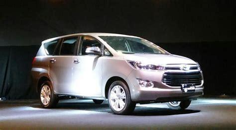Dongkrak Kijang 4 toyota auto2000 probolinggo toyota bidik 4 ribu unit penjualan all new kijang innova