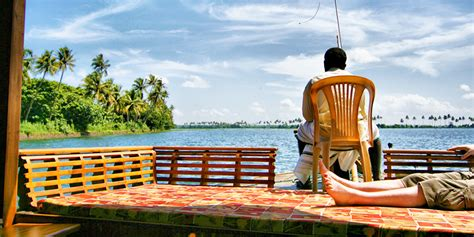 alleppey boat house timings railyatri blog cruise along the alleppey backwaters in a houseboat