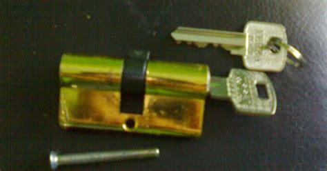 Promo Silinder Kunci Pintu Besar Anak Kunci Pintu Computer Key cara mengganti silinder kunci pintu rumah