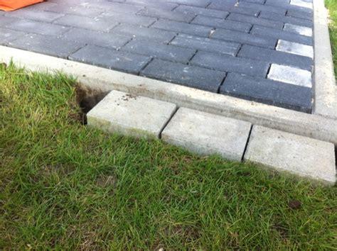 mähkante granit verlegen rasenkante verlegen rasenkantensteine setzen fundamente