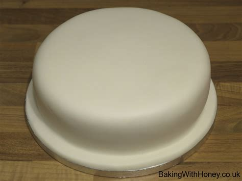 how to store a fondant cake how to store marzipan cake before icing