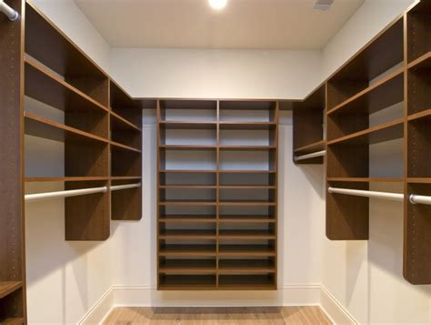 Wardrobes In Uk by Walk In Wardrobes Fitted Wardrobes Capital Bedrooms