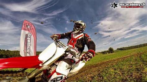 Motorrad Fahren Gefahren by Motocross Fahren F 252 R Frauen Kinder Und M 228 Nner Bild Von
