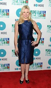 joyful stin the fashionable hearts megan hilty fashion stylebistro