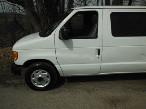 accident recorder 2002 ford econoline e150 seat position control buy used 2004 ford econoline e150 passenger van 6 doors 4 6liter 8 cyl w airconditioning in